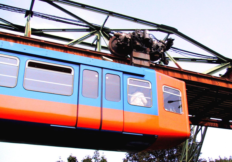 2002-08-26-058-Barmen-Bahnhof-Schwebebahn-